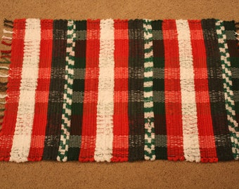 Handwoven Rag Rug - Christmas Red, Green & White- 40 inches....(#194)