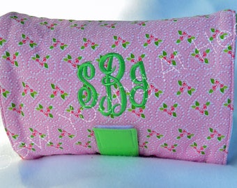 Personalized Tri-Fold Diaper or Nappie Clutch with Coordinating Waterproof Changing Pad, Pink Hearts with Mint Green Trim