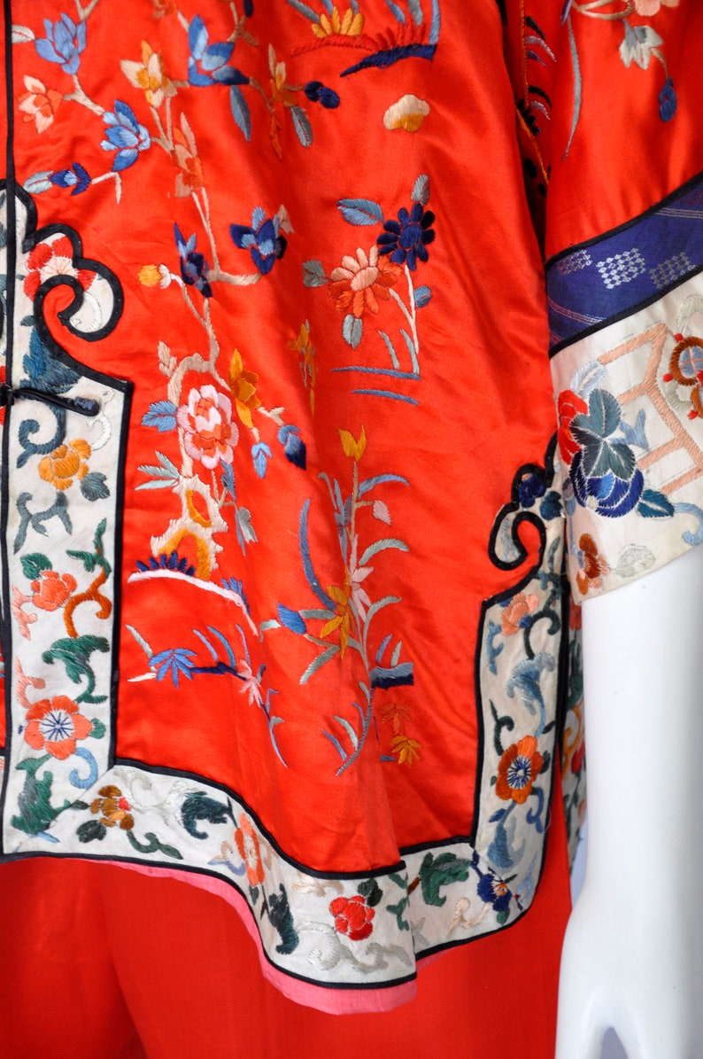 ON SALE vintage Chinese lounge set floral motif LXl 20s 30s asian silk tunic and pants chinese silk embroidered jacket