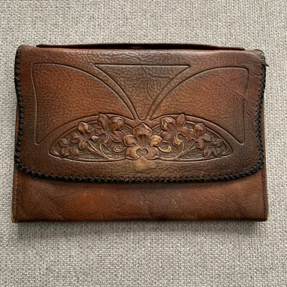 1920s 30s tooled leather clutch | 30s leather flor