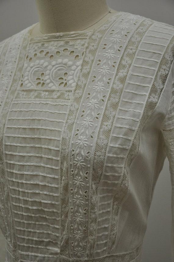 Edwardian cotton dress   antique tea gown   vintag