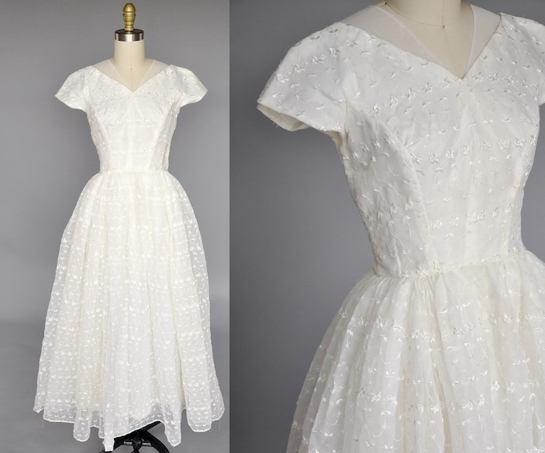 50s wedding gown  ivory vintage wedding dress  vintage image 0