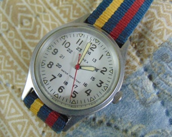 Mens Timex Quartz, Military style dial with NATO style strap. Running.