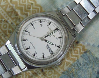 Mens Seiko Military type white dial, Automatic, 6309-8970 day/date running