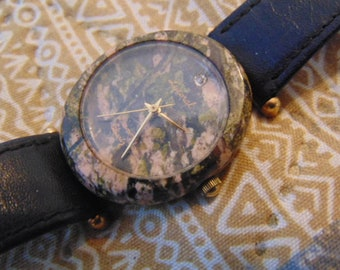 Unisex Fashion Lucoral Diamond Quartz Watch with stone or Quartz Case.