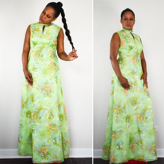Vintage 70s Maxi Dress in Romantic Green Floral Pr