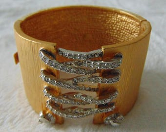 vintage FRAGMENTS crystal laces gold plated clamp bangle mint unused