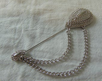 vintage trifari stick pin silver chains signed mint