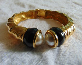 vintage joan rivers pearl black enamel gold plated clamp bangle