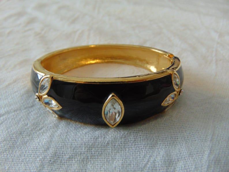 trifari bracelet black enamel clear crystals bangle 7 in gold plated sparkling bold glam clamper vintage signed