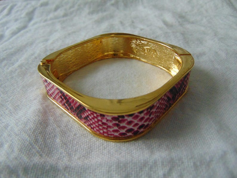 kjl pink snake faux skin bangle circle square hinged maroon white gold plated mint unused signed vintage jewelry kenneth jay lane
