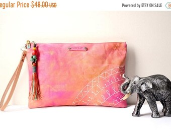 SALE 15% Pink Clutch, Hand Painted Canvas Ethnic Clutch, Boho Style Canvas Wristlet, Unique Gift For Her, Wife Gift, Valentines Day Gift, Ma