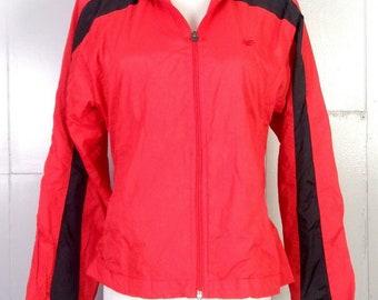 7cdac1fddcb66 vtg 80s 90s New Balance women's Red Black Windbreaker Jacket sz S