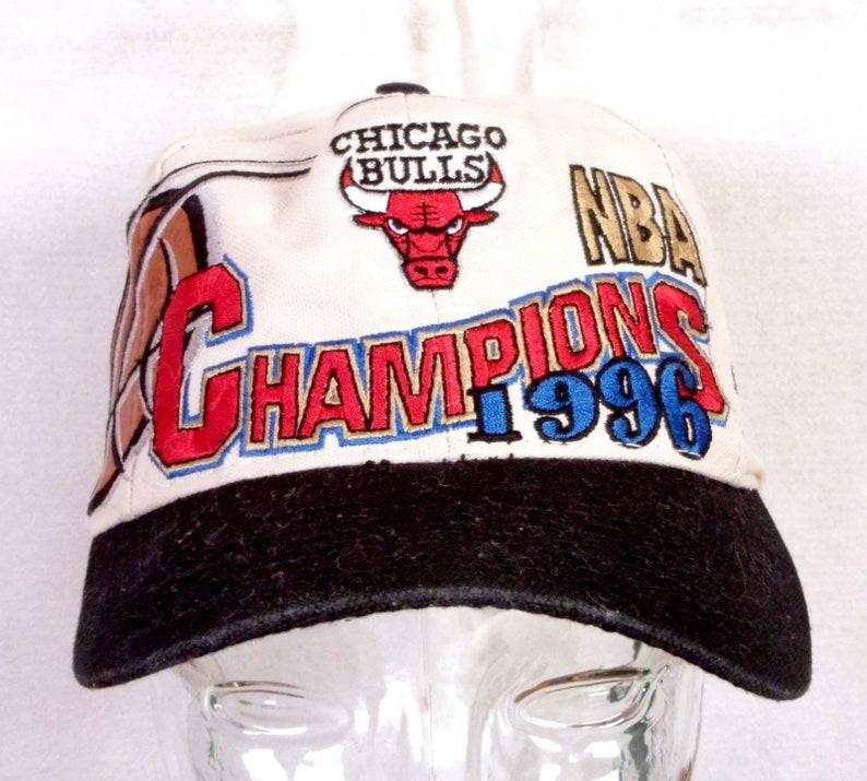 a8f811ba379 Vtg 90s Logo Athletic Rare Chicago Bulls 1996 NBA Champs