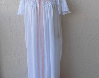 Vintage Early 1900 s White Cotton Lawn Nightgown 1a4cae48a