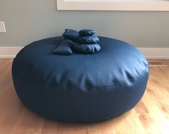 Posing Puck (tm) Jumbo Navy Blue Waterproof Newborn Baby Photography Cushion and 5 Positioning Props, Bundled in a Handled Bag