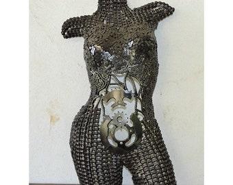 SCULPTURE BUSTE FEMME   en métal recyclé
