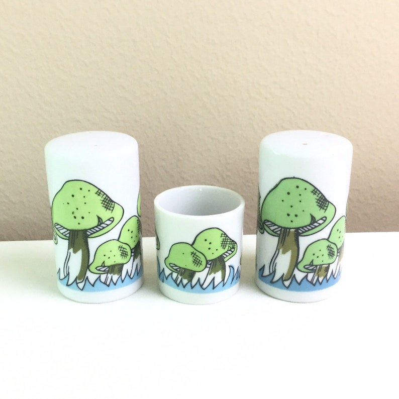 Made in Japan and Blue Mushroom Salt and Pepper Shakers With Matching Toothpick Holder White 1960/'s Vintage Green