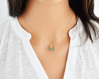 Raw Emerald Necklace, Birthstone Necklace, Dainty Raw Crystal Necklace, 14K Gold Filled Necklace, Gold Emerald (0500N-EM)