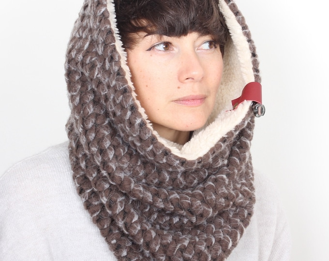 chunky knit wool cowl in grey - fully lined -  Outlet