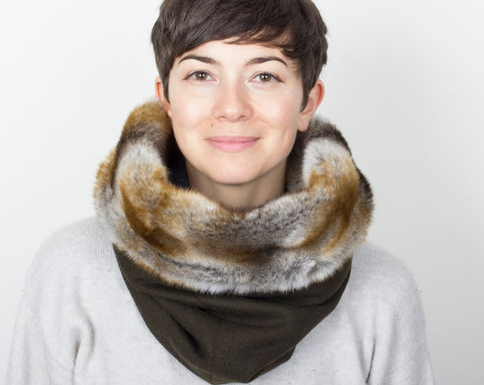 thick wool tweed cowl scarf in khaki green -  lined with luxury faux fur - Outlet