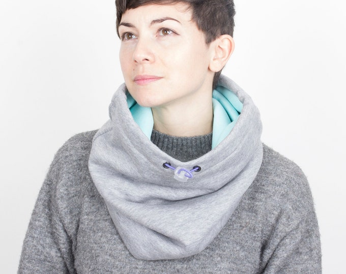 Outlet - thick light grey cotton cowl lined with light mint green cotton