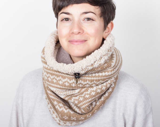 chunky knit wool cowl in nordic geometric christmas pattern with faux lamb lining - Outlet