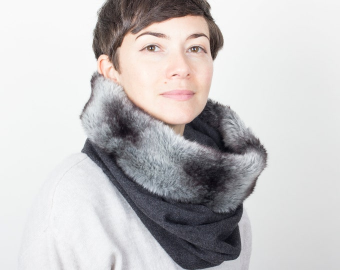 thick wool tweed cowl scarf in dark grey -  lined with luxury faux fur - Outlet