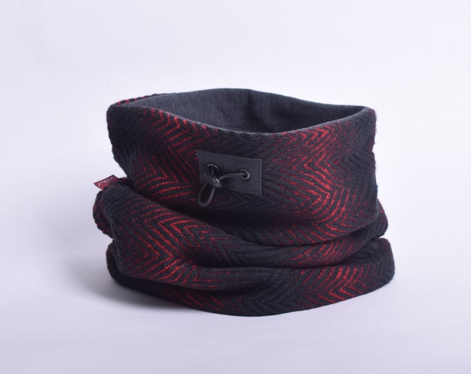 Outlet - Red and black herringbone wool cowl with grey cotton lining