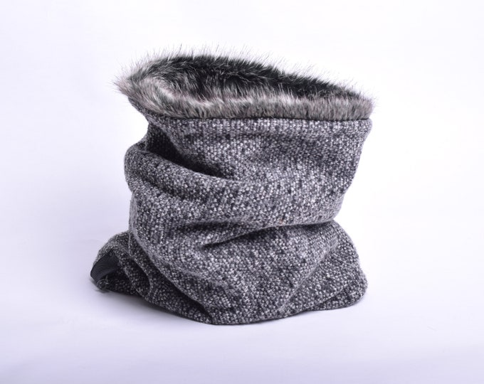 Outlet - knit wool in mottled grey hooded cowl with rabbit faux fur lining