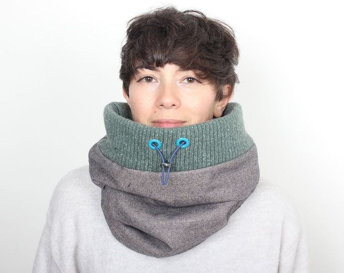 Grey tweed wool cowl lined with fleece and mint green rib top