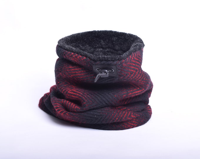 Outlet - Red and black herringbone wool cowl with faux fur lining
