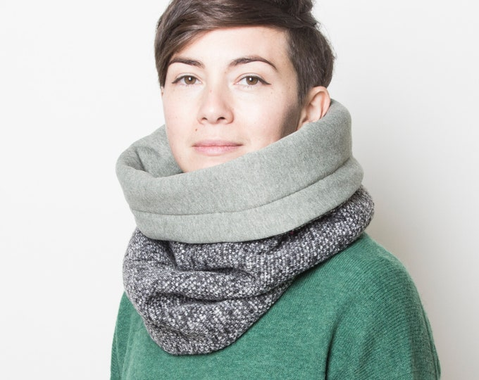 Chunky knit cowl scarf, wool knit cowl, knit accessories, with soft mint green cotton lining
