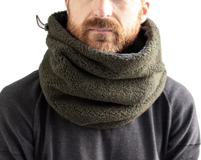 Army green fleece cowl lined with melange dark grey cotton