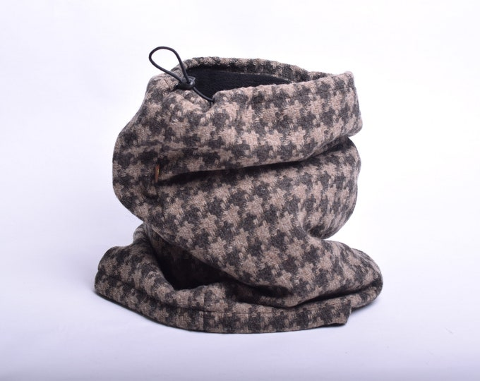 Outlet - houndstooth tweed wool cowl with black fleece lining