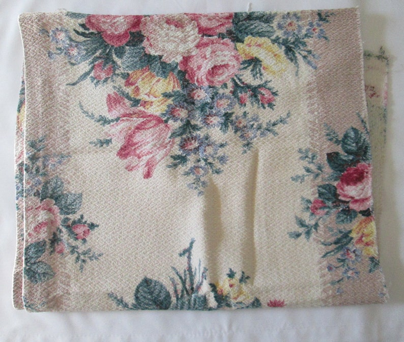 Rose bouquets vintage cuddle cloth barkcloth fabric mid century RoSeS home decor do it yourself curtain panel tulips sewing fabric