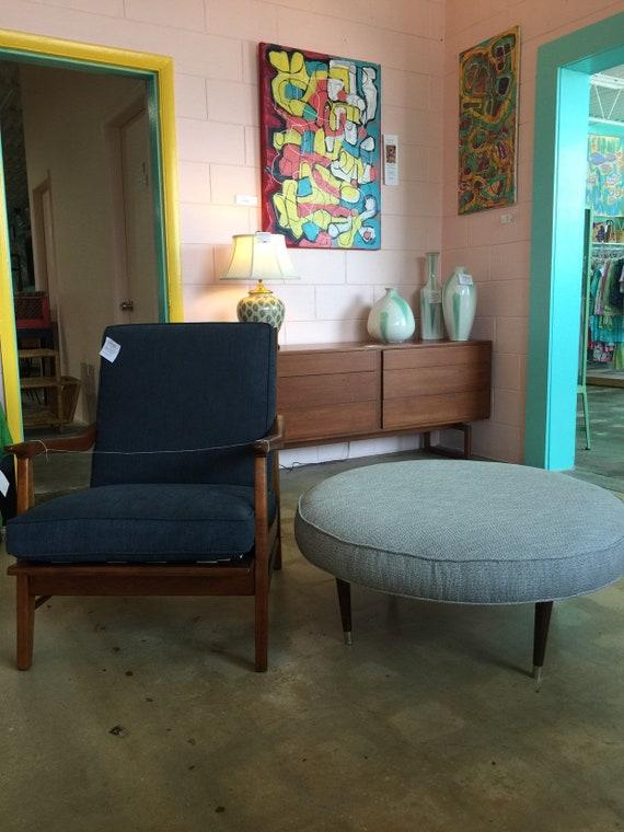 Awesome Vintage 1960S Mid Century Modern Large Round Ottoman Machost Co Dining Chair Design Ideas Machostcouk