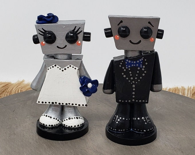 Love Bots Wedding Cake Topper Figurine Kawaii -  Robot Love Bride and Groom Anniversary Gift - Engagement Present