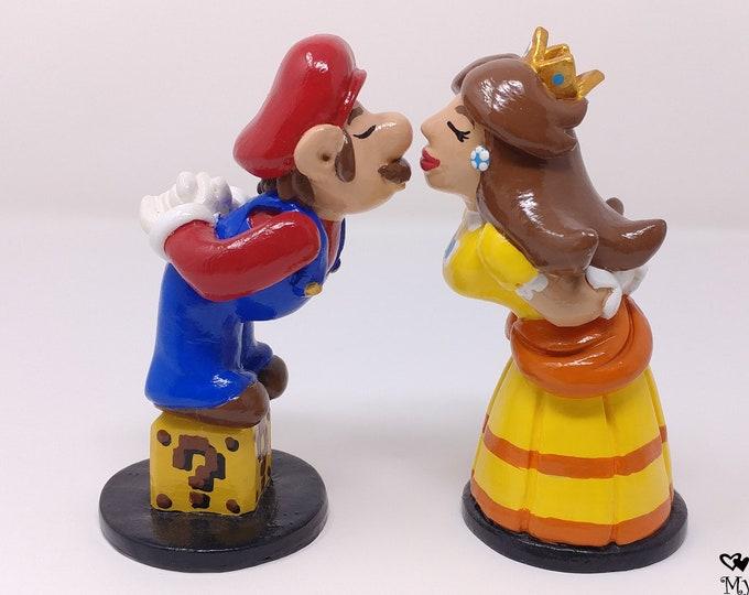Mario and Peach Wedding Cake Topper - Prince and Princess - Custom Gaming Wedding - Digital Love - Anniversary Gift - Engagement Present