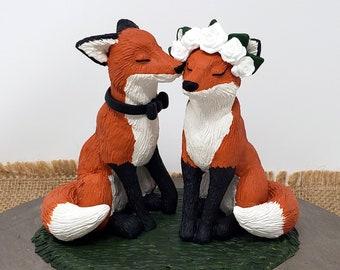 Realistic Fox Wedding Cake Topper - Bride and Groom Animal - Kissing Cheek