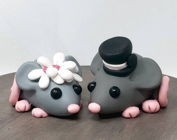 Mouse Cake Topper - Mouse Wedding Cake Figurine - Cartoon Pet Sculpture - Rodent - Cute - Anniversary Gift