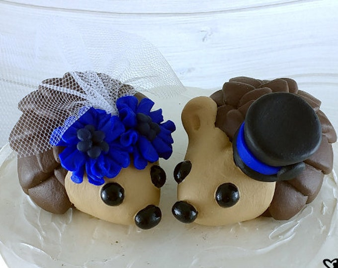 Hedgehog Wedding Cake Topper with Cornflowers