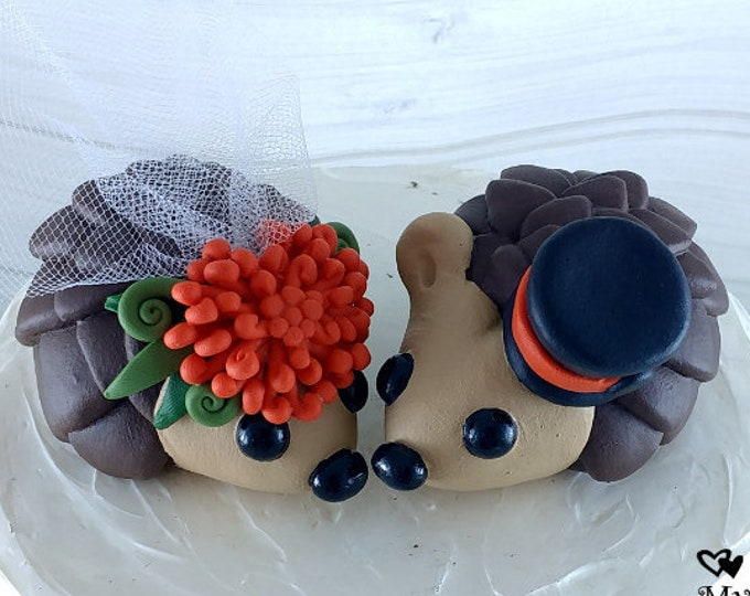 Hedgehog Wedding Cake Topper with Pincushion Protea Flowers