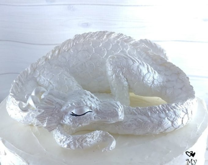 Dragon Sculpture - Realistic Sleeping Dragon Cake Topper
