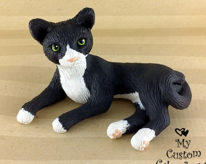 Cat Sculpture - Realistic Cat Figurine - Cat Wedding Cake Topper