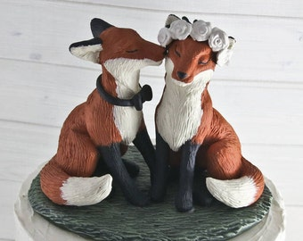 Realistic Fox Wedding Cake Topper - Kissing Cheek