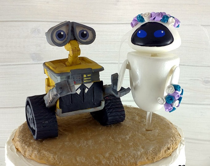 Wall-E and Eve Wedding Cake Topper