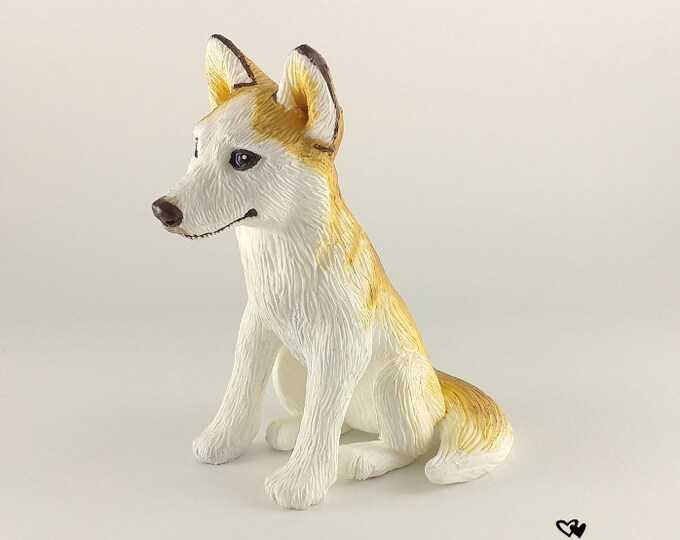 Husky Sculpture - Realistic Dog Figurine - Blonde Husky Wedding Cake Topper - Pet Portrait