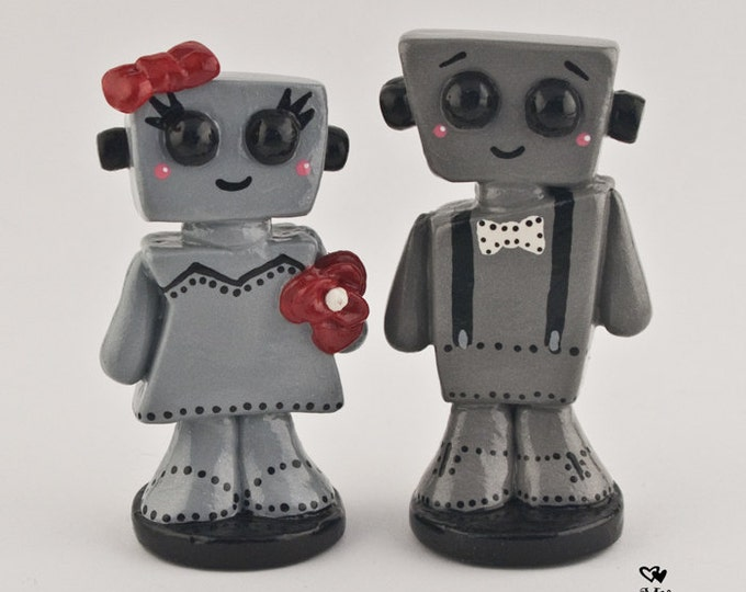 Love Bots Wedding Cake Topper Kawaii - Cute Robots Bride and Groom