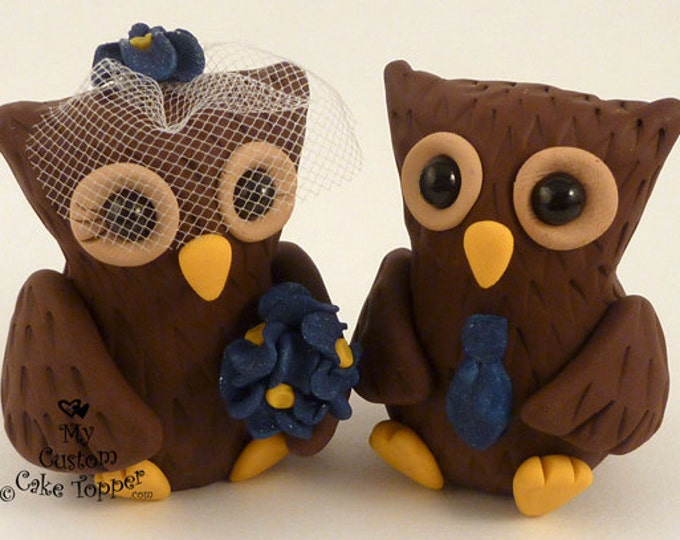 Owl Wedding Cake Topper - Cute Sitting - Pick your Colors